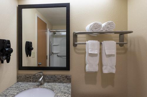 GH Rochester-Room 321-KW Vanity