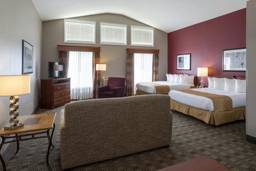 GrandStay Ames-Large Double Suite