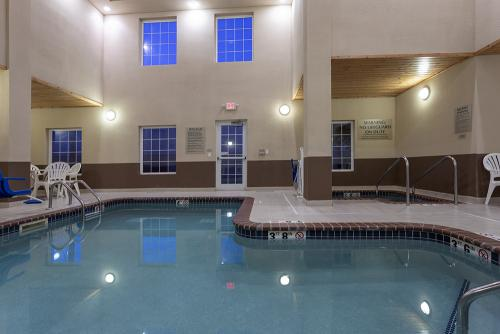 GrandStay Ames-Pool