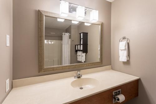 GrandStay Ames-Standard Vanity
