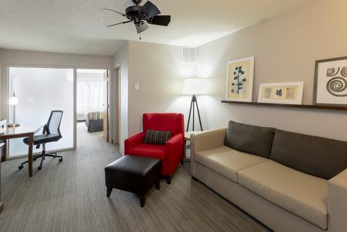 cis fargo-one bedroom suite