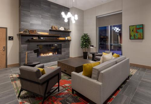 gs running aces lobby fireplace