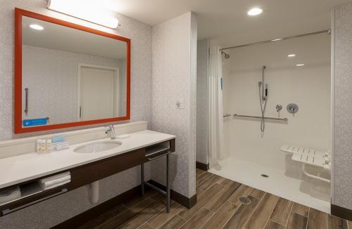 hampton ep-ada shower