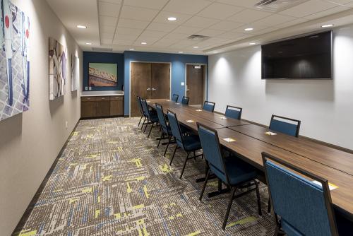 hampton ep-meeting room board room
