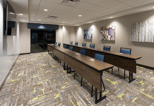 hampton ep-meeting room classroom