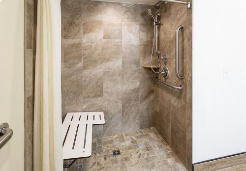 paynesville-room101-hqns-shower