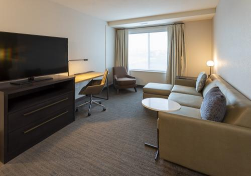 ri maple grove-ada 2 bedroom suite