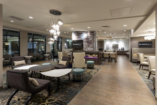 ri maple grove-lobby wide