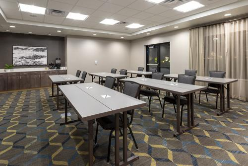 sh maple grove-meeting room