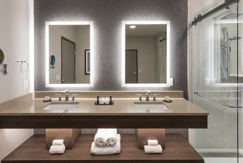truline suite double vanity